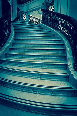 Curved staircase - p1170m1125316 by Bjanka Kadic
