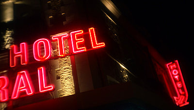 Hotel - p567m822793 by Alexis Bastin