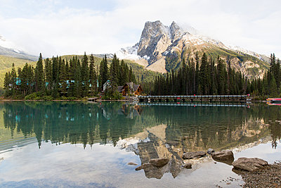 Emerald Lake in Yoho National Park - p756m1492886 by Bénédicte Lassalle