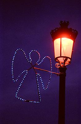 Leuchtender Engel - p1080029 von Thomas Kummerow