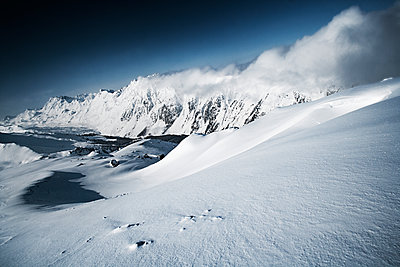 Austria, Tyrol, Ischgl, winter landscape in the mountains - p300m1069038f by Bela Raba