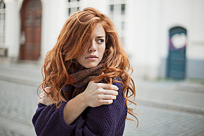 Woman with red hair - p586m695088 by Kniel Synnatzschke