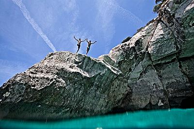Jump - p713m2087672 von Florian Kresse