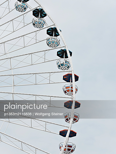 Ferris wheel - p1383m2116838 by Wolfgang Steiner