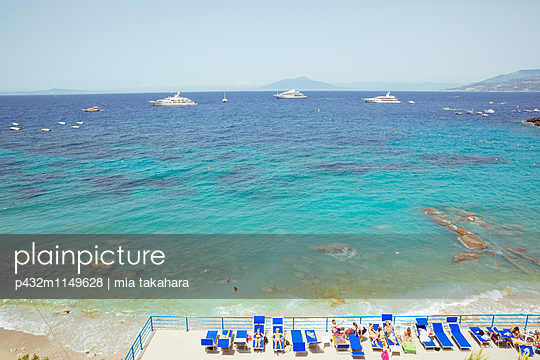 Sonnenbaden auf Capri - p432m1149628 von mia takahara