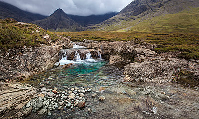 Fairy Pools Wasserfall - p1234m1044599 von mathias janke