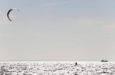 Kite-Surfer - p1250m1050315 von werner bartsch