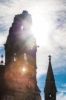 Kirchenlicht - p488m2026459 von Bias