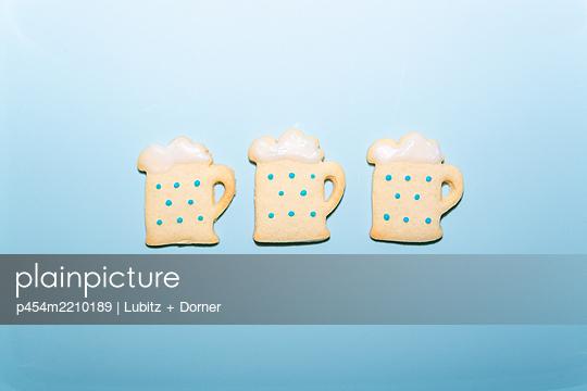 Three sweet beer - p454m2210189 by Lubitz + Dorner