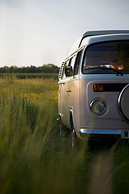 Urlaub im VW-Bus - p1980146 von David Breun