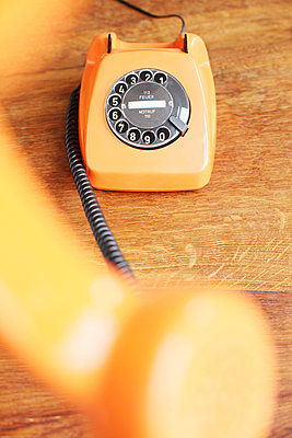 Telefon mit Wählscheibe - p214m1000344 von hasengold