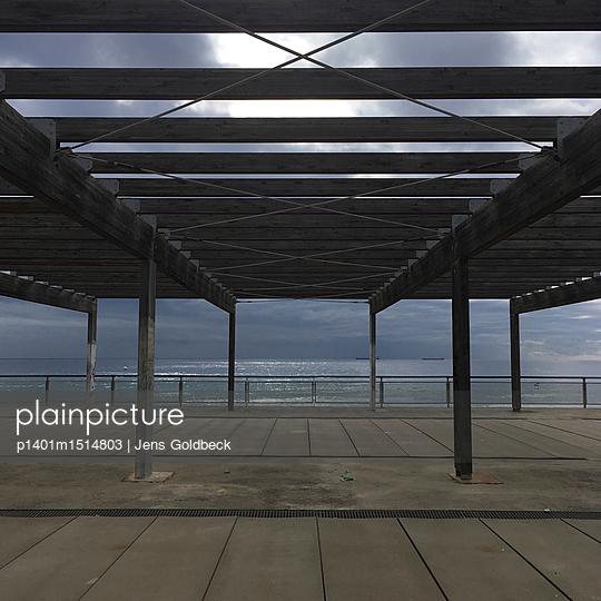 Überdachte Promenade in Tarragona - p1401m1514803 von Jens Goldbeck