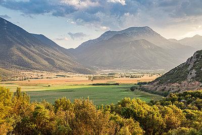 Greece, Peloponnese, Corinthia, Stymfalia, Ancient plateau, Lake Stymphalia - p300m2029998 von Maria Maar