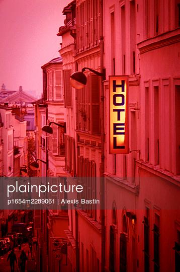 Paris, Butte Montmatre, hotel - p1654m2289061 by Alexis Bastin