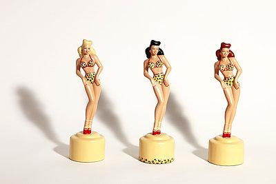 Hula-Tänzerinnen - p611m952269 von Laurence Ladougne
