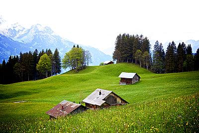 Haus in den Bergen - p606m1462351 von Iris Friedrich