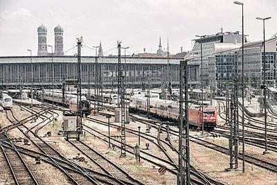 Hauptbahnhof München - p1222m1589917 von Jérome Gerull