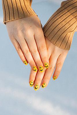 Happy nail art - p1507m2233835 by Emma Grann