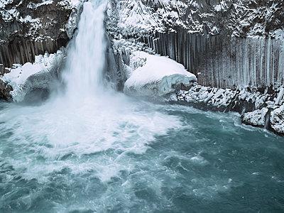 Wasserfall Aldeyjarfoss - p416m991064 von Dominik Reipka