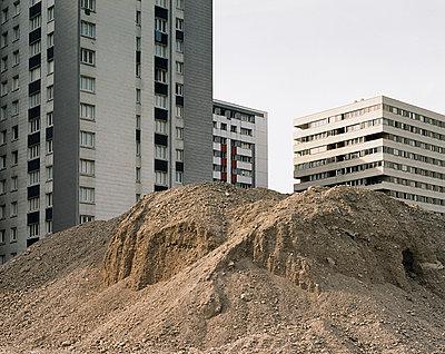 Baustelle Sozialer Wohnungsbau - p1409m1464933 von margaret dearing