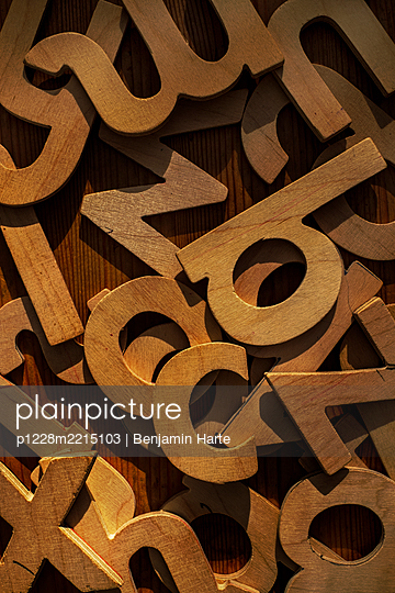 Wooden letters of the alphabet - p1228m2215103 by Benjamin Harte