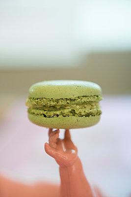 Macaron - p954m1065871 von Heidi Mayer