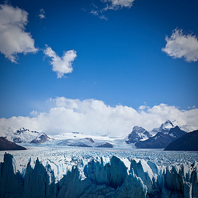 Perito Moreno glacier from above 2 - p1513m2039101 by ESTELLE FENECH
