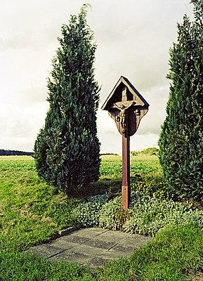 Kreuz bei Strassdorf - p3790073 von Scheller