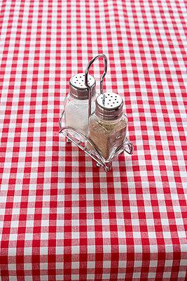 Salz und Pfeffer - p4641559 von Elektrons 08