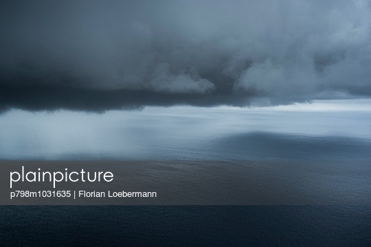 Storm - p798m1031635 by Florian Loebermann