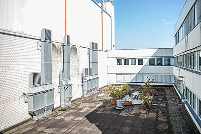 Courtyard - p403m933310 by Helge Sauber