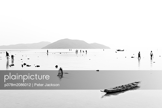 Beach Life - p378m2086012 by Peter Jackson