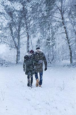 Winterspaziergang - p1348m1561831 von HANDKE + NEU
