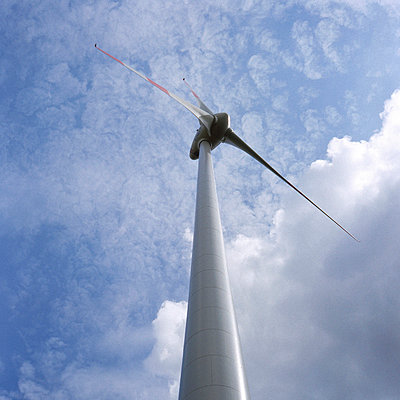 Wind farm - p26813124 by Axel Kohlhase