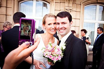 Bridal couple - p904m734828 by Stefanie Päffgen