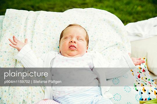 Baby - p904m1159702 von Stefanie Neumann