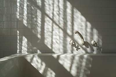 White Bath Taps  - p1072m828870 by chinch gryniewicz