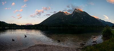 Germany, Berchtesgadener Land, Bavaria, Mountain lake - p1569m2196132 by Moritz Metzger
