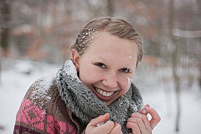 Hit by a snowball - p586m766948 by Kniel Synnatzschke