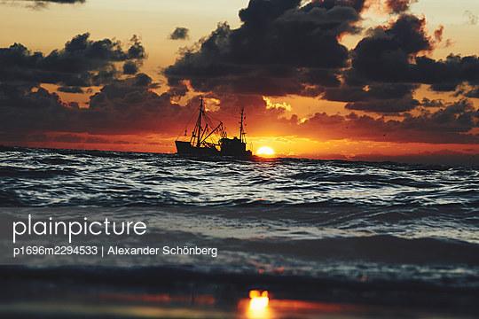 Trawler on the sea - p1696m2294533 by Alexander Schönberg