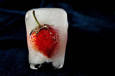 Strawberry in an ice cube - p1412m2065541 by Svetlana Shemeleva