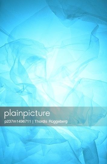 Bubble wrap - p237m1496711 by Thordis Rüggeberg