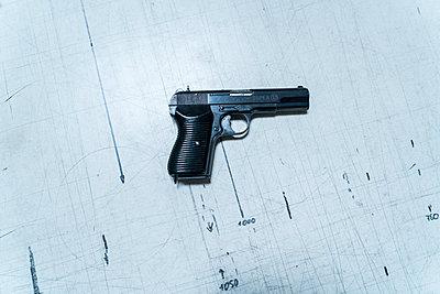 Pistole - p427m2013366 von Ralf Mohr