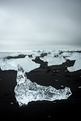 Jökulsárlón Ice Beach - p973m2021418 von Jennifer Rumbach