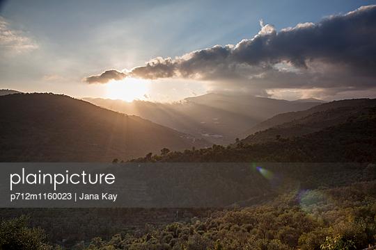 Sonnenuntergang im Gebirge - p712m1160023 von Jana Kay