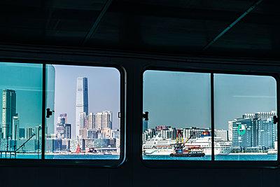 Fensterfront - p488m1528829 von Bias