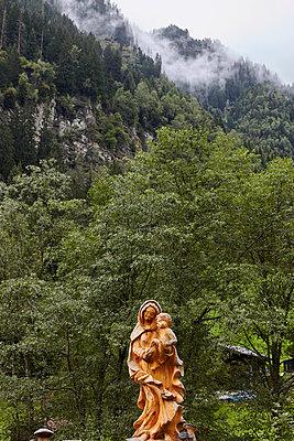 Statue, Maria und Jesus - p117m1129047 von Katja Nitsche