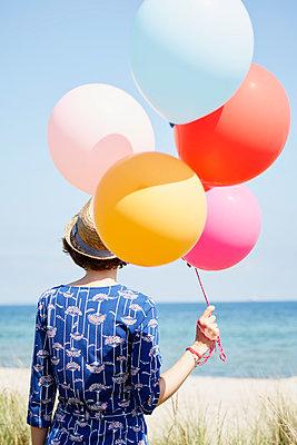 Luftballons - p464m1040746 von Elektrons 08