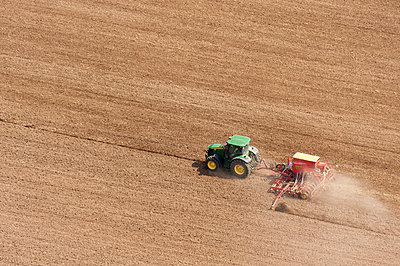Agriculture IV - p1079m885270 by Ulrich Mertens