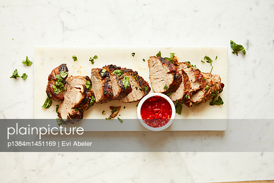 Sweet and spicy grilled pork tenderloin - p1384m1451169 by Evi Abeler